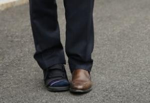 spicers-mismatched-shoes